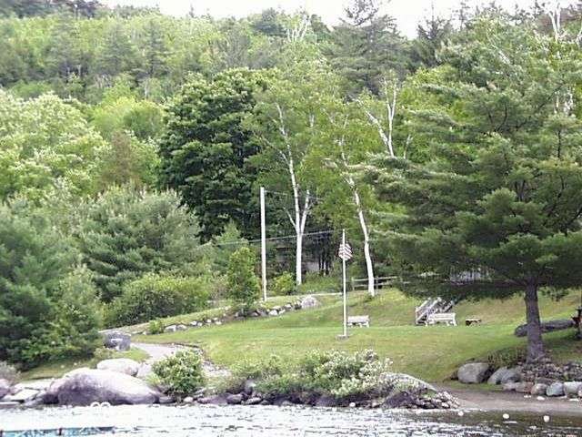 Lot <b>Size:</b> 130 x 213 x 130   Land style home in Adirondack