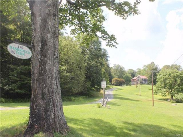 3 BR,  1.50 BTH Farm house style home in Liberty