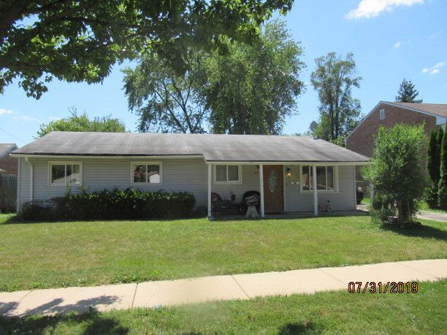 3 BR,  1.50 BTH  House style home in Glendale Heights