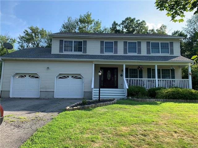 4 BR,  2.50 BTH Colonial style home in Monroe