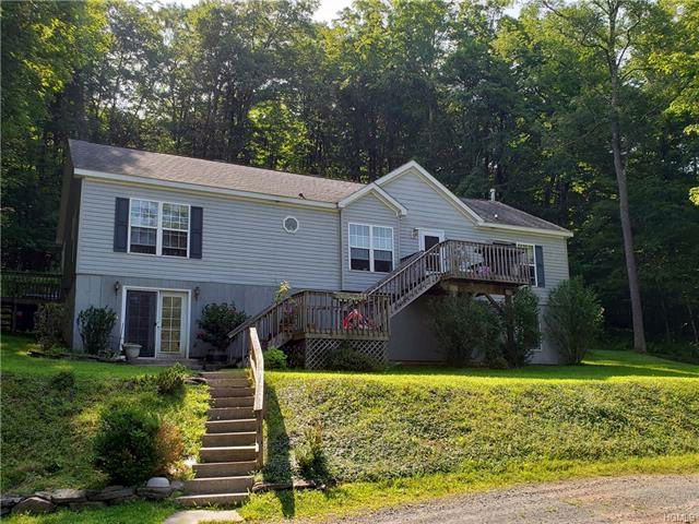 8 BR,  3.00 BTH Ranch style home in Livingston Manor