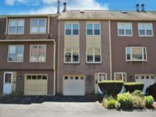 2 BR,  1.50 BTH Townhouse style home in Tewksbury