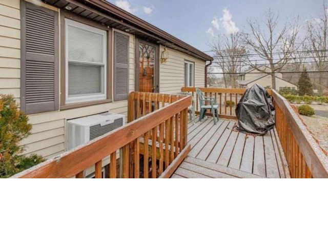2 BR,  1.00 BTH Cape style home in Clementon