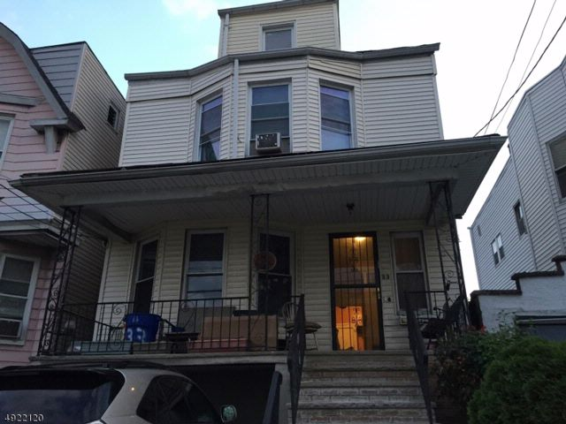 4 BR,  1.00 BTH Colonial style home in Jersey City