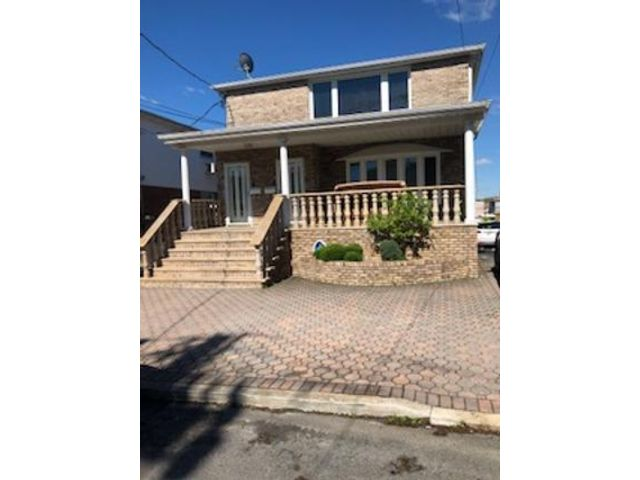 [Howard Beach Real Estate, listing number 6911495]
