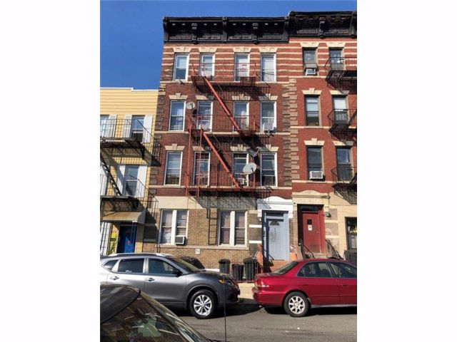 18 BR,  0.00 BTH  Multi-family style home in Park Slope