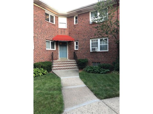 2 BR,  1.00 BTH Condo style home in Bloomfield