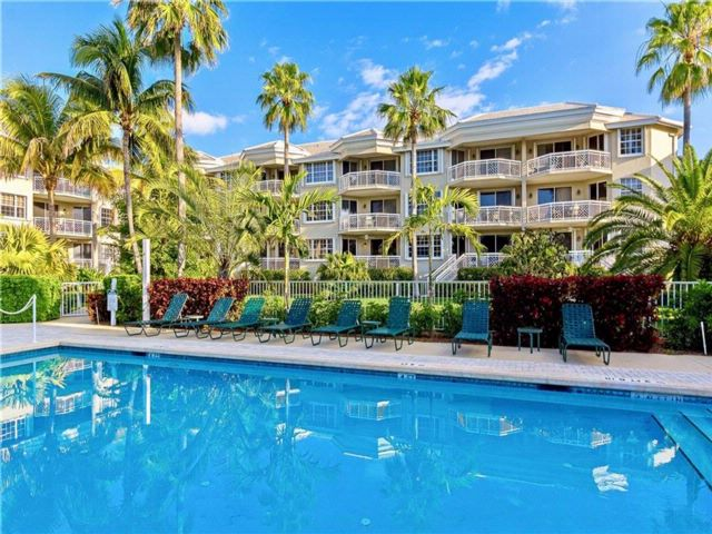 [Vero Beach Real Estate, listing number 6912580]