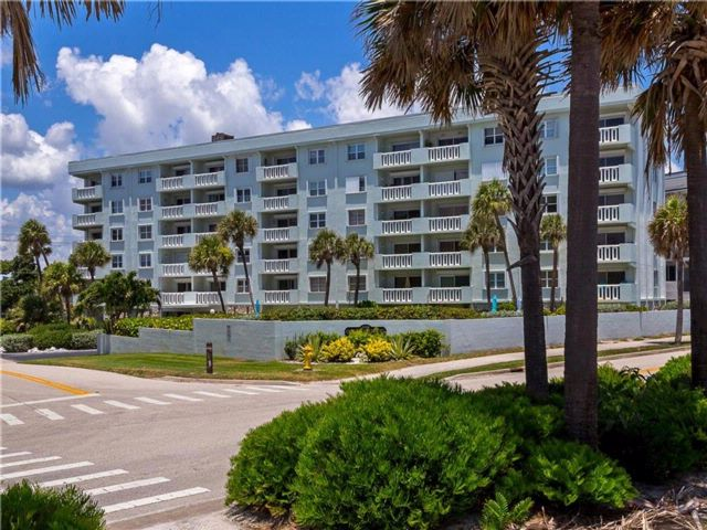 [Vero Beach Real Estate, listing number 6912590]