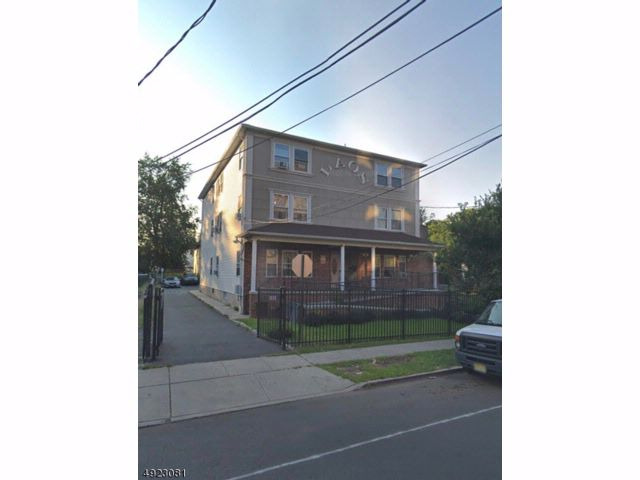 3 BR,  1.00 BTH House style home in Elizabeth