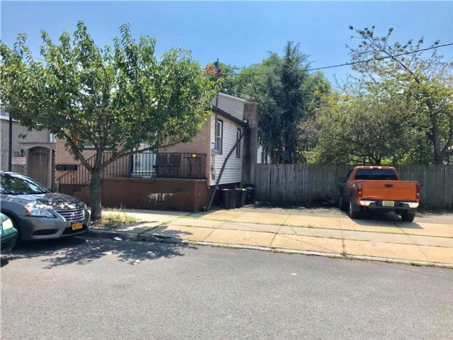 [Long Beach Real Estate, listing number 6913745]
