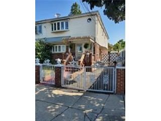 6 BR,  2.50 BTH  Ranch style home in Canarsie