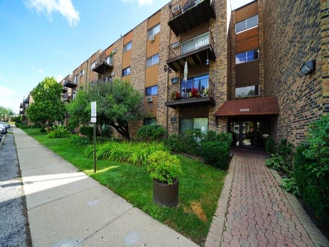 1 BR,  1.00 BTH  Condo style home in Des Plaines