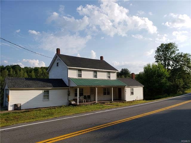 3 BR,  2.00 BTH Farmhouse style home in Fallsburg