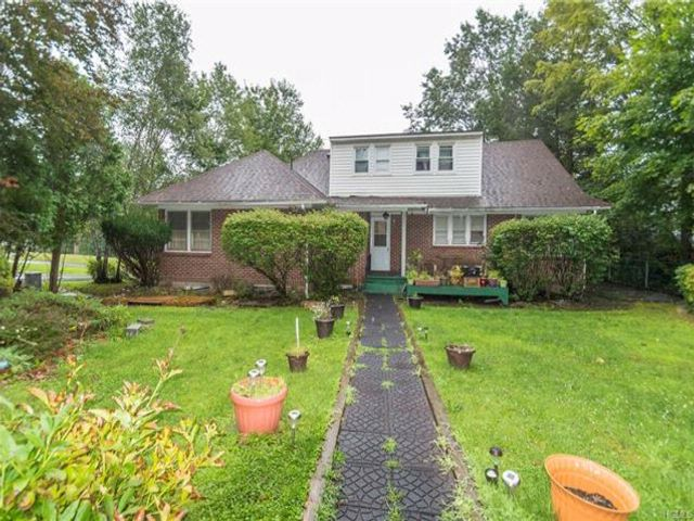4 BR,  3.00 BTH Capecod style home in South Fallsburg