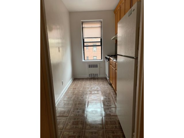 1 BR,  1.00 BTH   style home in Brooklyn