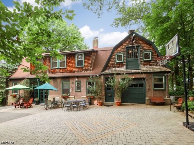 4 BR,  3.50 BTH  Carriage house style home in Nutley