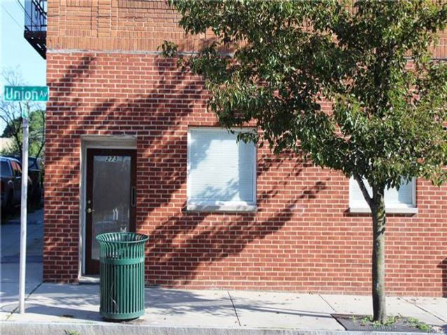 Studio,  0.00 BTH Commercial style home in New Rochelle