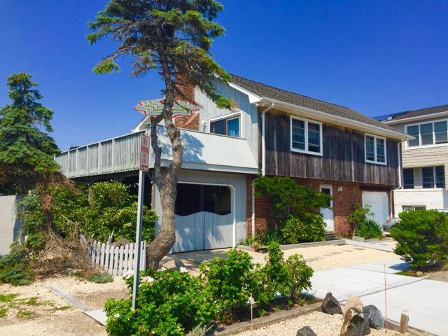 4 BR,  2.00 BTH 2 story style home in Point Lookout