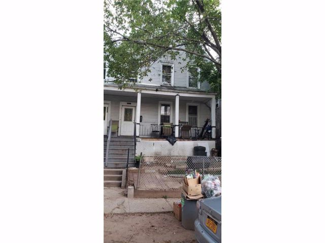 7 BR,  2.00 BTH  Single family style home in Port Richmond
