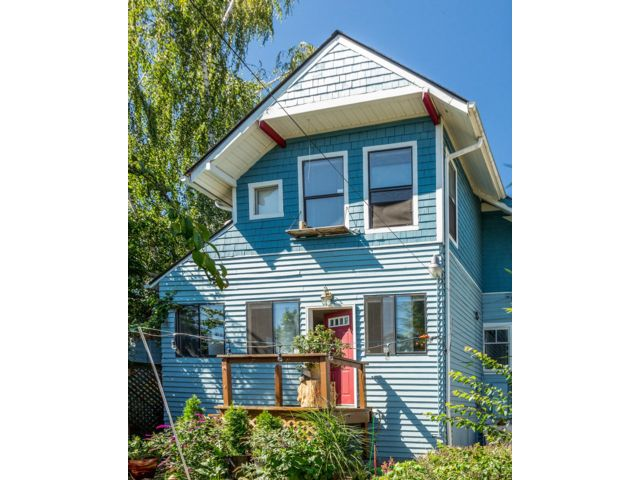 4 BR,  2.50 BTH  Contemporary style home in Tacoma