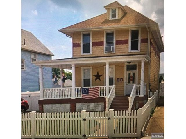 1 BR,  1.00 BTH  2 family style home in Secaucus
