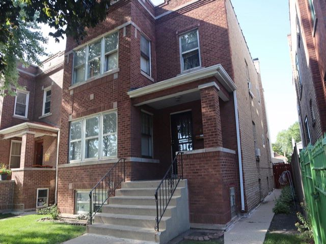 7 BR,  0.00 BTH  House style home in Chicago