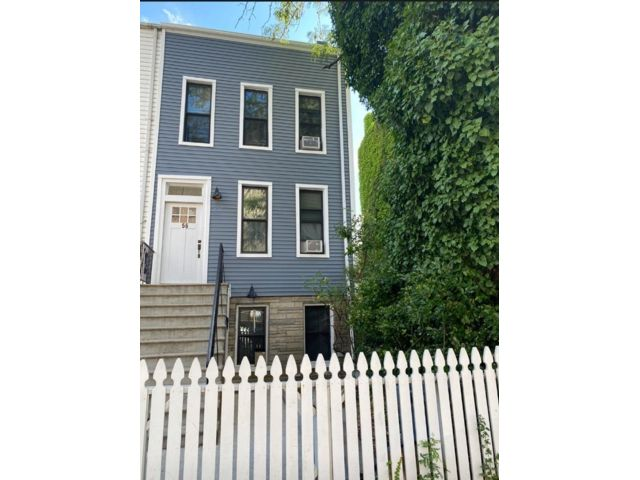 6 BR,  3.50 BTH  Duplex style home in Park Slope