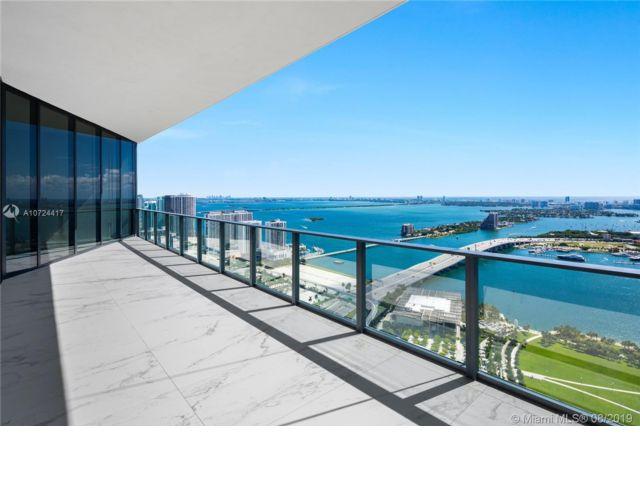 4 BR,  5.50 BTH Condo style home in Miami