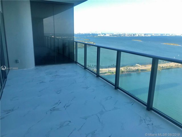 1 BR,  1.50 BTH Condo style home in Miami