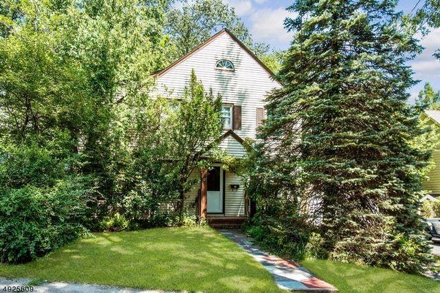 [Montclair Real Estate, listing number 6920539]