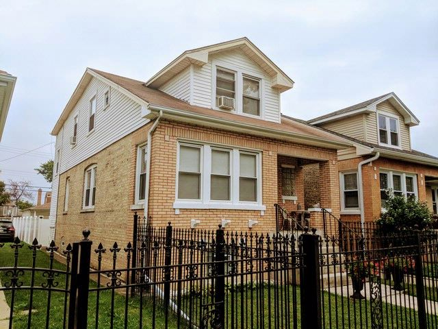 4 BR,  0.00 BTH House style home in Chicago