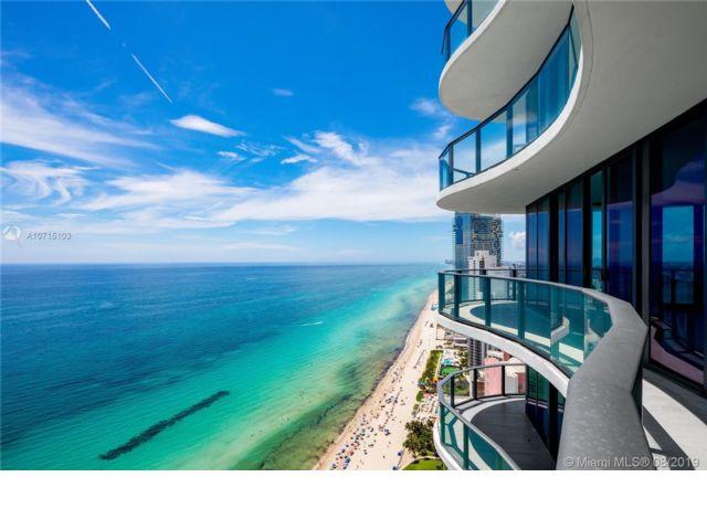 4 BR,  5.50 BTH Condo style home in Sunny Isles Beach