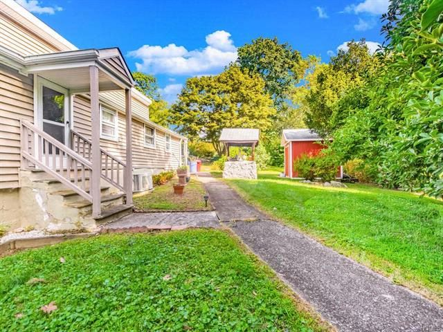 2 BR,  1.50 BTH Ranch style home in Brewster