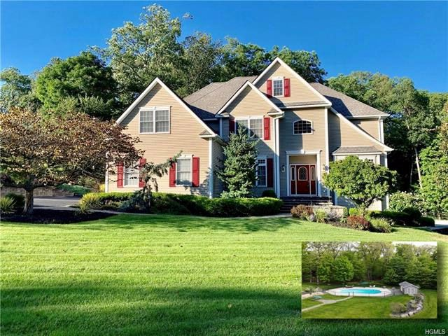 4 BR,  4.00 BTH Colonial style home in Harriman