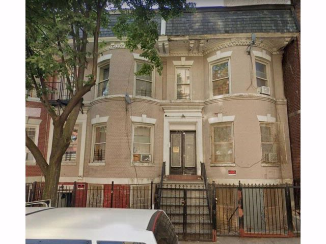 9 BR,  4.00 BTH Multi-family style home in Fordham