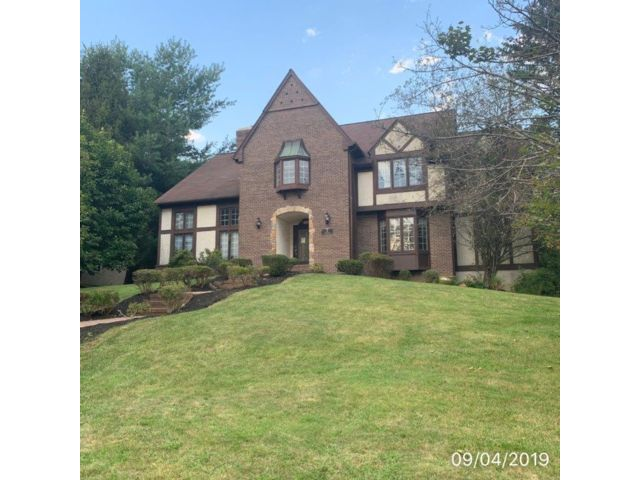 4 BR,  3.55 BTH  Custom style home in Mendham