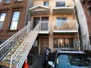 4 BR,  2.00 BTH  style home in Bedford Stuyvesant