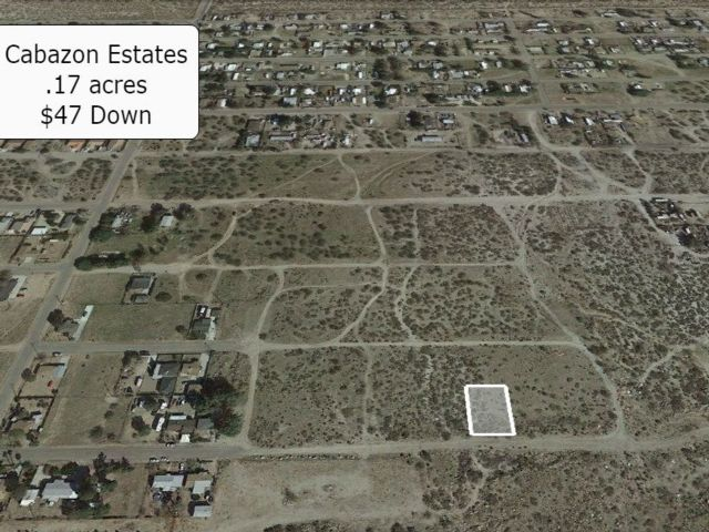 Lot <b>Size:</b> 0.17 Land style home in Cabazon