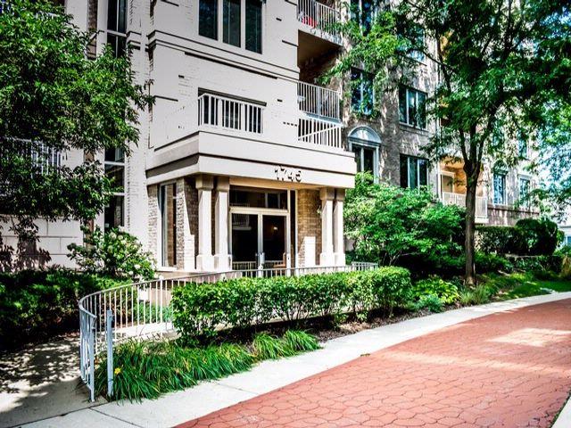 2 BR,  2.00 BTH Condo style home in Park Ridge