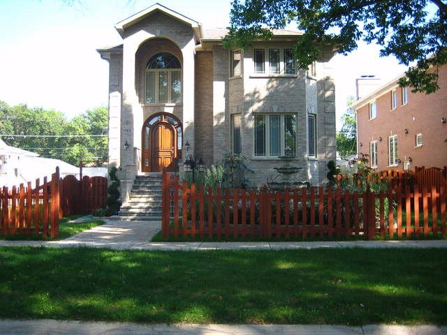 6 BR,  5.00 BTH Contemporary style home in Des Plaines