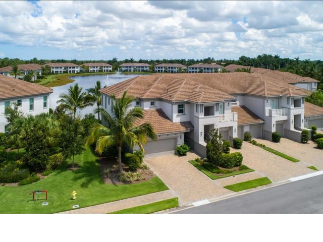 2 BR, 20.50 BTH Contemporary style home in Naples