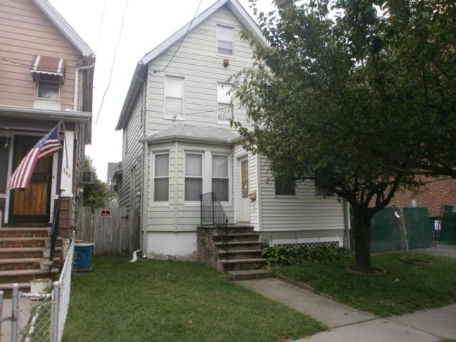 3 BR,  1.50 BTH  Colonial style home in Port Richmond