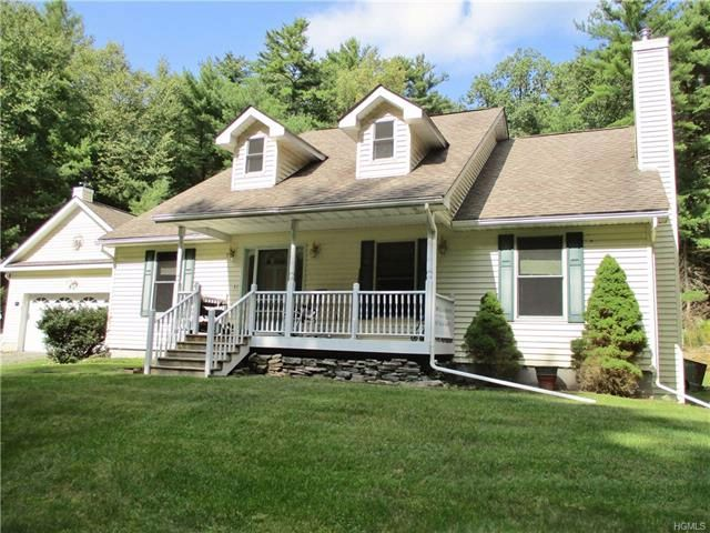 3 BR,  2.00 BTH  Capecod style home in Glen Spey