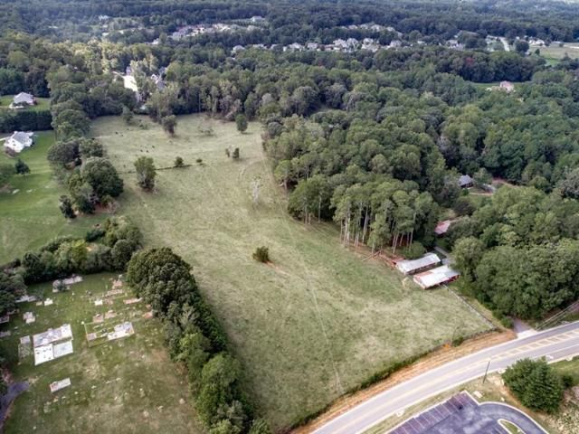 Lot <b>Size:</b> 30.17 Land style home in Canton