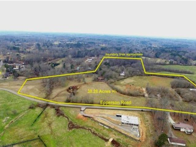 Lot <b>Size:</b> 38.28 Land style home in Canton