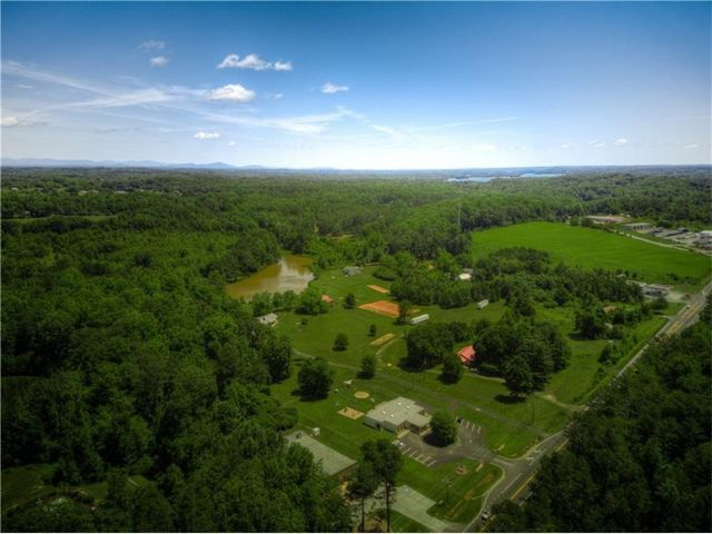 Lot <b>Size:</b> 44.37 Land style home in Gainesville