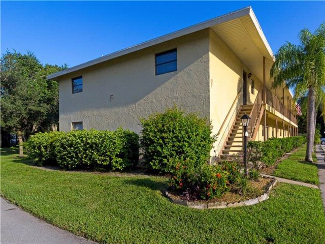[Vero Beach Real Estate, listing number 6925591]