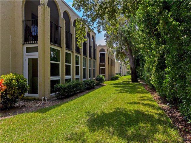 [Vero Beach Real Estate, listing number 6925593]