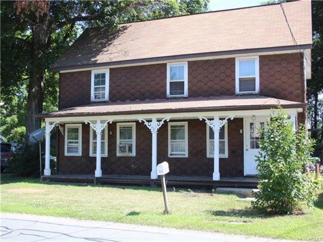 4 BR,  2.00 BTH Farmhouse style home in Deerpark